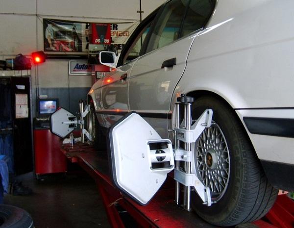 Kinh nghiệm kiểm tra và kéo dài tuổi thọ lốp xe