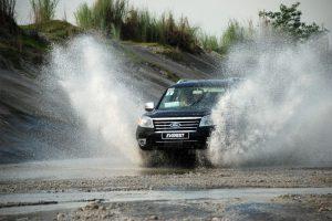 Hướng dẫn xử lý khi xe đi vào vùng ngập nước